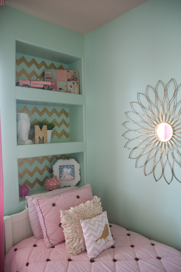 1302BOUCHER GIRLS BEDROOM035