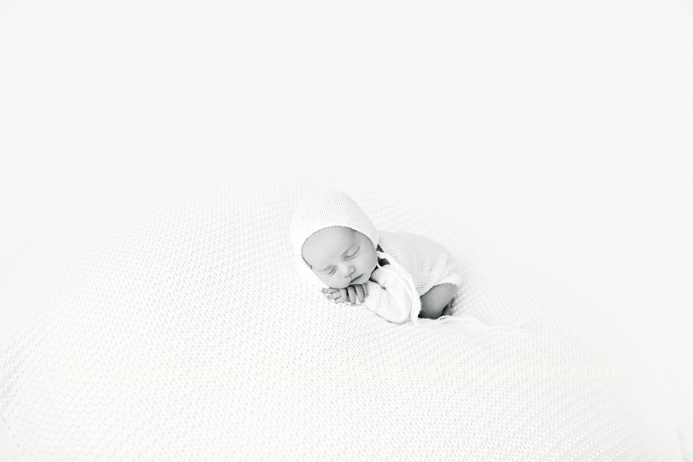 1612cash-newborn328-edit-bw